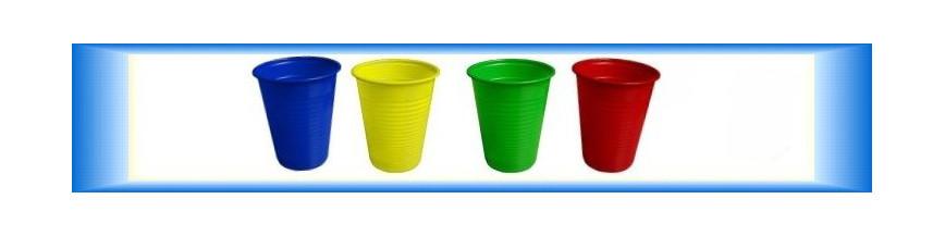 Nápojové kelímky barevné